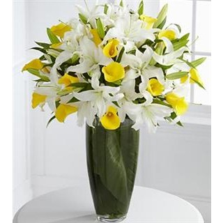 00 Vivacious Luxury Lily Bouquet